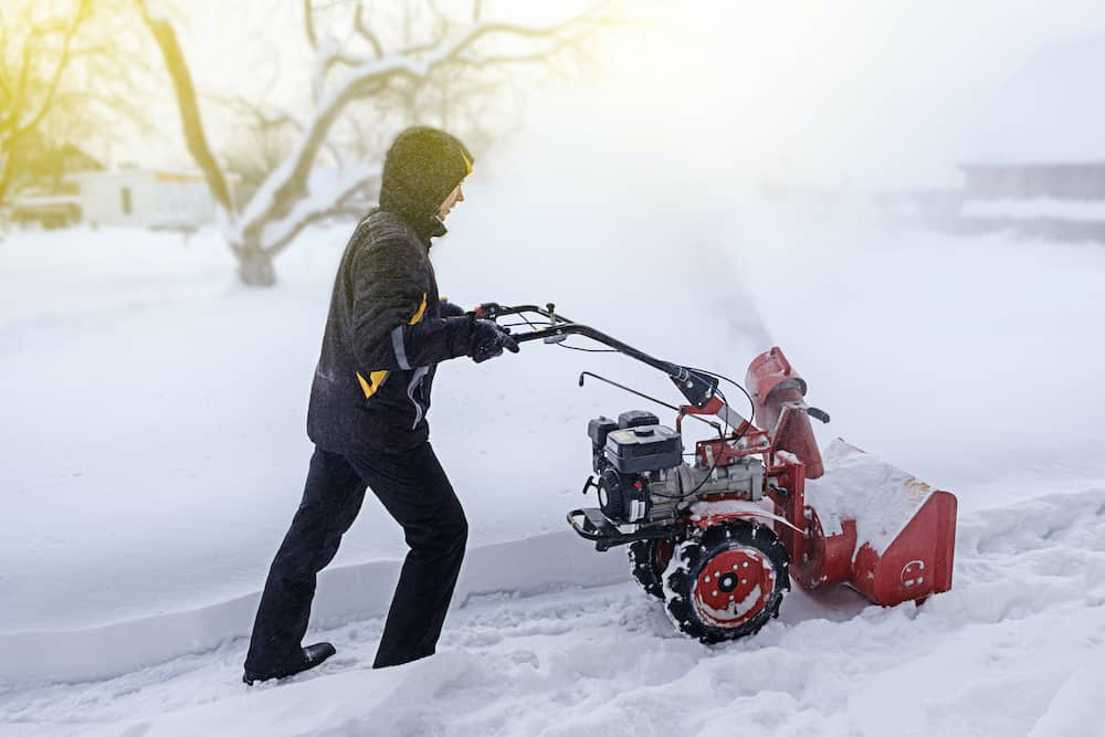 snow blower pull cord won't recoil